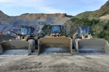 Quarry_Loaders_3.jpg